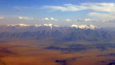 機上から眺めるモンゴル西部
