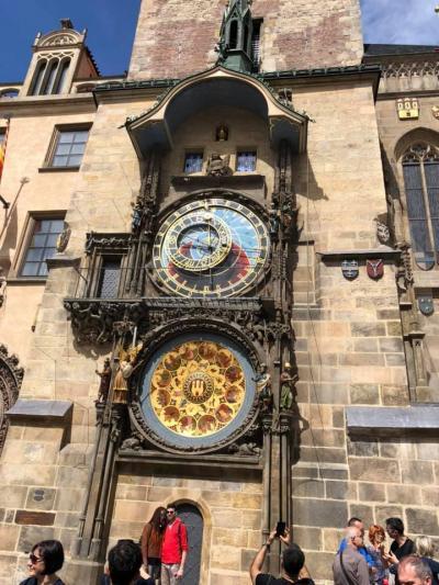 チェコのプラハの王宮と旧市街広場に行く。