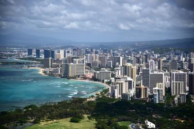 ハワイ、ダイヤモンドヘッド登山体験とホノルル観光スポットツアー ワイキキビーチ滞在記