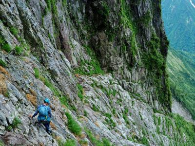 一ノ倉沢南稜テラスまで / 登攀への道は険し