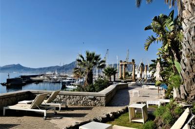 魅惑のシチリア×プーリア♪ Vol.268 ☆パレルモ:宮殿ホテルの美しい庭園と貴族の部屋♪