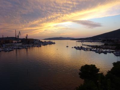 1810クロアチア~みんな知り合いみたいな雰囲気のある小さい町トゥロギール