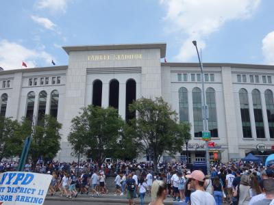 NYCを歩く。(2.3) ヤンキースの試合観戦。残念,マー君はおととい出場しちゃいました。