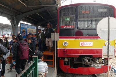 ジャカルタ島 列車の旅(ジャカルタ)