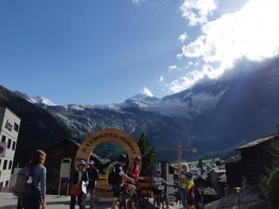 決定版!スイス8日間(3)氷河鉄道ランドヴァッサー橋を通過後、ミシャベルアルプス観光