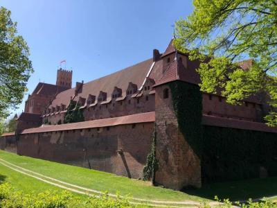今日は中世都市トルンとマンボルクのドイツ騎士団の城に行く。