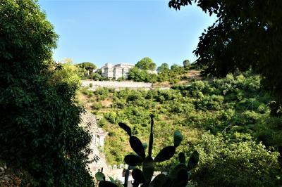 魅惑のシチリア×プーリア♪ Vol.304 ☆ラグーザ:スイートルームの庭園は広大♪