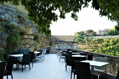 魅惑のシチリア×プーリア♪ Vol.306 ☆ラグーザ:洞窟スイートルームの夜景と朝の風景♪