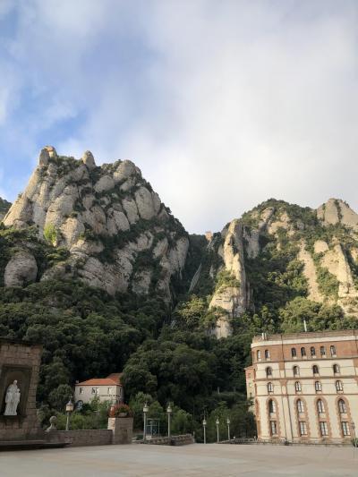 7日間のバルセロナ、のうち1日はモンセラットにリムジンで、絶景ハイキングを