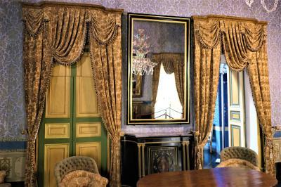 魅惑のシチリア×プーリア♪ Vol.311 ☆ドンナフガータ城:優雅な宮殿生活 シャンデリアの美しい部屋♪