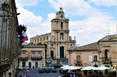 魅惑のシチリア×プーリア♪ Vol.326 ☆モンテロッソ・アルモ:美しい旧市街は小さくて可愛らしい♪