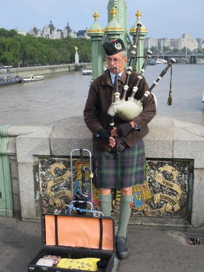 初海外はロンドン。テムズ川ランチクルーズと街中散策