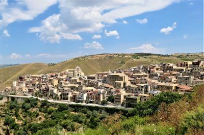 魅惑のシチリア×プーリア♪ Vol.327 ☆モンテロッソ・アルモ:旧市街から美しいパノラマ♪