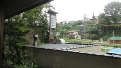 小雨に烟る北信濃・色付きはじめた林檎がたわわに実る出湯の郷で(2)