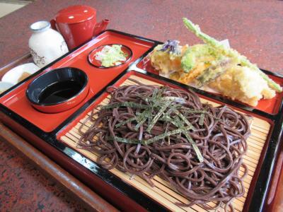 ⑩御嶽駅近く「ぎん鈴旅館」で北海道のまっ黒な「音威子府蕎麦」を食べる