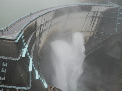 美しい長野の旅 1日目 大雨の黒部ダム