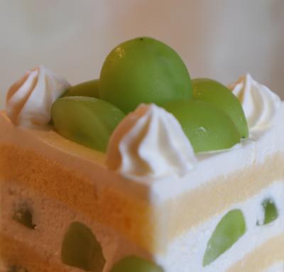 シャインマスカットショートケーキを食べに浦和のパインズへ