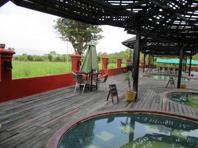 ミャンマー再訪の旅(12)             インレー湖の温泉へ。