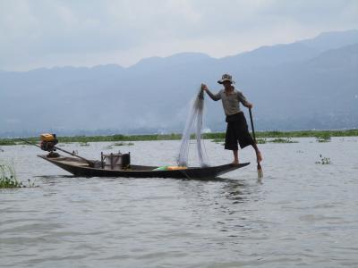 ミャンマー再訪の旅(13)             インレー湖ボートツアー。