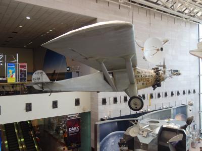 Washington D.C. を歩く。(6) 航空宇宙博物館は1980年以来です。子供向けの遊園地に堕しました。
