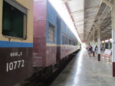ミャンマー再訪の旅(15)             鉄道でニャウンシェからバコーへ。