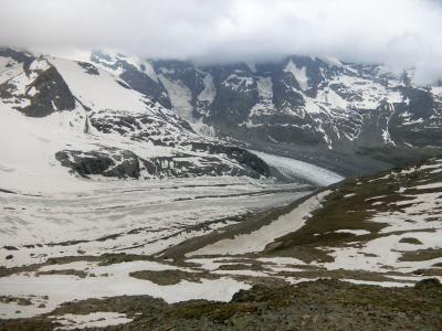 アルプス5大名峰と絶景列車の旅 4 雨のベルニナアルプス