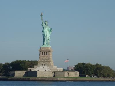 NYCを歩く。(4.1) 自由の女神の観光はスタッテン・アイランド・フェリーから。なにせ,無料です。