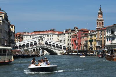 ヴァポレットでカナル運河を遊覧  サンマルコ前~リアルト橋  ~イタリア旅行 2019 ③