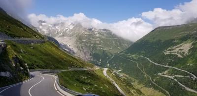 スイス・イタリア ドライブ & ハイキング 満喫の旅(⑤5日目 フルカ峠・グリムゼル峠)