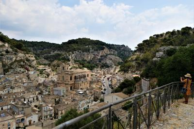 魅惑のシチリア×プーリア♪ Vol.374 ☆美しきシクリ旧市街 展望教会から絶景を眺めながら下る♪