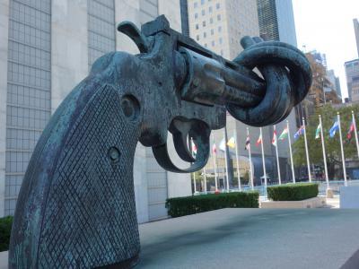 NYCを歩く。(4.9) 国連本部の見学。総会の時期でなくても,いろいろと会議はあるようです。