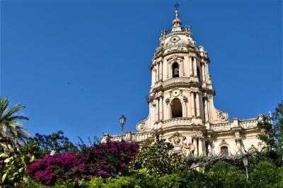 魅惑のシチリア×プーリア♪ Vol.389 ☆美しきモディカ旧市街 サンジョルジョ大聖堂から旧市街を歩く♪