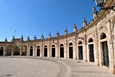 魅惑のシチリア×プーリア♪ Vol.401 ☆イスピカ:大聖堂の美しい広場♪