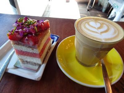 シドニー一人旅: 虹のブルーマウンテンズと盗人カモメとスイカのケーキ