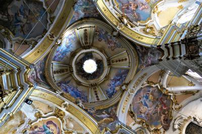 魅惑のシチリア×プーリア♪ Vol.404 ☆イスピカ大聖堂 主祭壇は豪華絢爛なバロック♪