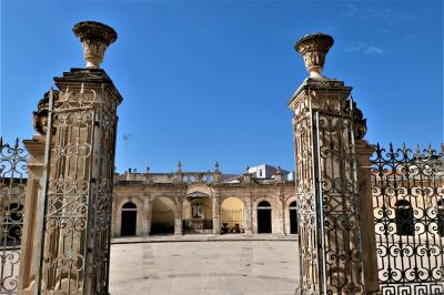魅惑のシチリア×プーリア♪ Vol.405 ☆イスピカ:大聖堂と広場と町の景観♪