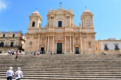 魅惑のシチリア×プーリア♪ Vol.413 ☆ノート:バロックの美しいノート大聖堂♪