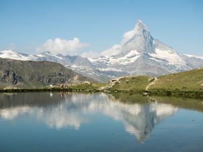 ツェルマットのトレッキング~マッターホルンを眺めながら3つの湖を辿る