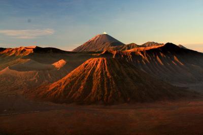 ブロモ火山を目指して 2. ミッドナイト・ボルケーノ・ツアー