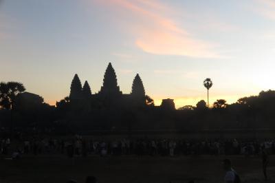 カンボジア・アンコールワットの朝日とシェムリアップ街歩き -カンボジア6-