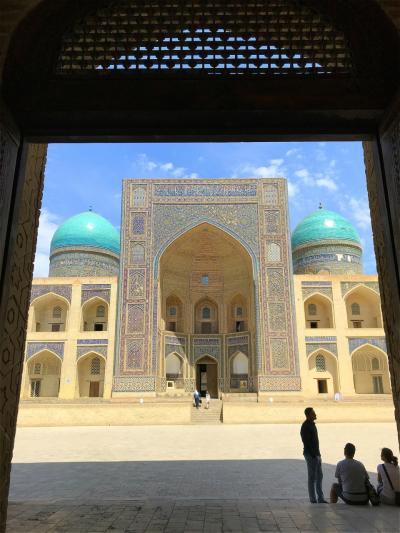 キルギスの大自然からサマルカンドの碧の世界へ、中央アジアの旅【7】シルクロードの面影に浸る!(ブハラ前編/ウズベキスタン)