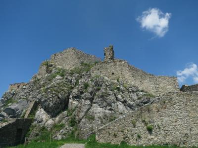 オーストリアとプチ東欧の旅 -4日目ブラチスラバ デヴィーン城-
