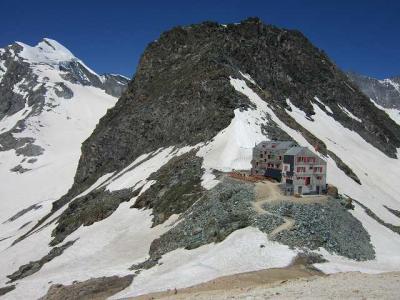 2019・シャモニー、サースフェーで山歩き、イタリアでちょっと街歩き(その7、サースフェーでブリタニア小屋へ)