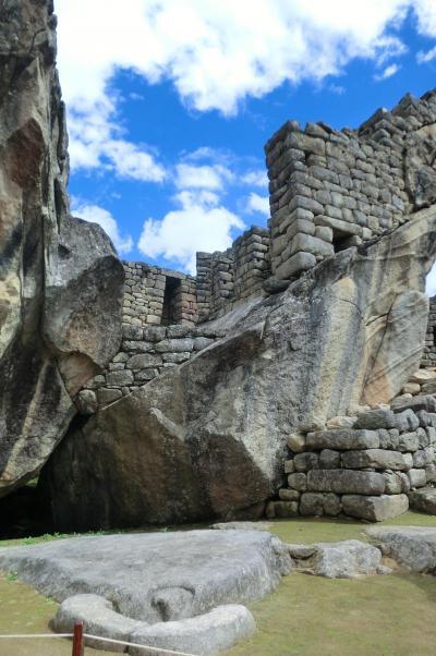 南米大陸三大絶景を巡る旅(6)マチュピチュ遺跡の居住区散策とクスコ、リマ、イグアスまでの移動