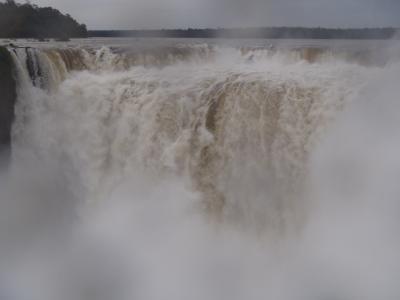 南米大陸三大絶景を巡る旅(7)アルゼンチン側でイグアスの滝とボートツアーに大興奮