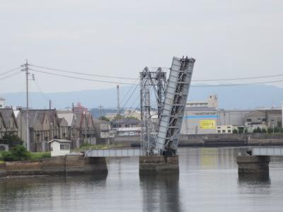 自宅から四日市旧港の景色を歩いて見て来ました。見たかったボードウオークと壁画は2日後でした。
