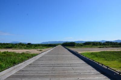 流れ橋で風を感じる