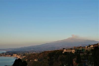 魅惑のシチリア×プーリア♪ Vol.564 ☆タオルミーナ:ついにエトナ山が噴火!やったー♪