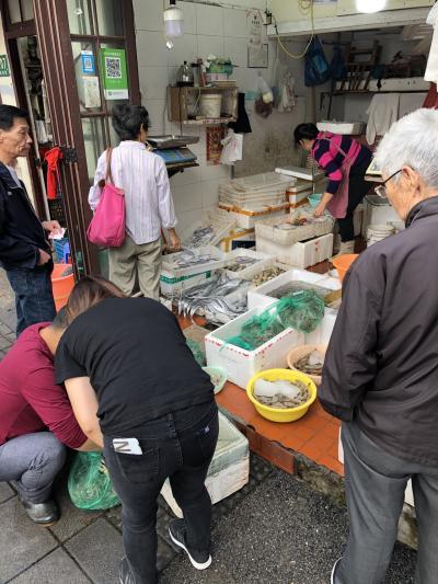上海で19時間のレイオーバー(中華料理、ホテル、カフェ) 行き