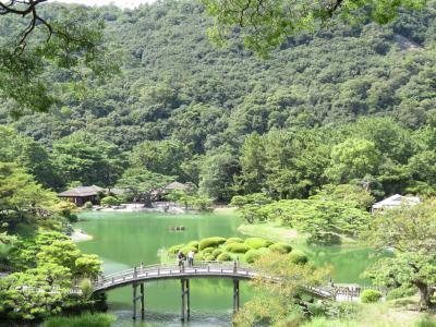 日本航空で行く!日帰りうどんと栗林公園を巡る旅